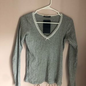 Tops - SOLD Rare NWT Brandy Melville grey lace bow top